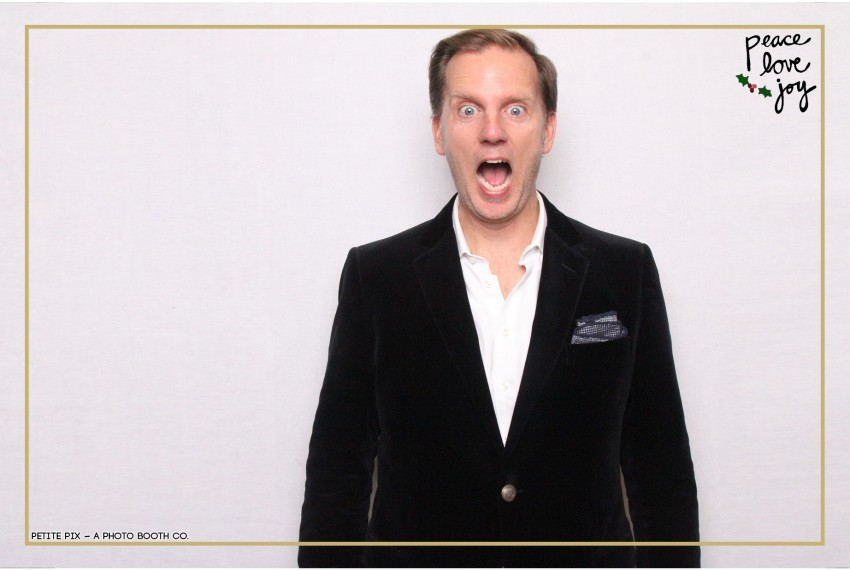 Petite Pix Photo Booth in the Pacific Palisades for the Culp Peace Love Joy Holiday Party (19)