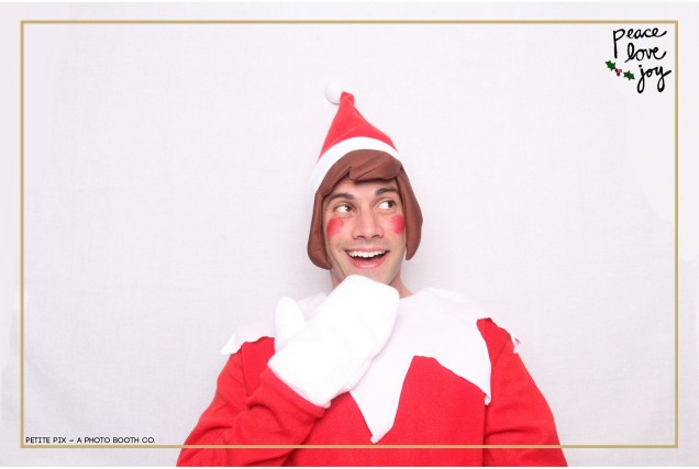 Petite Pix Photo Booth in the Pacific Palisades for the Culp Peace Love Joy Holiday Party (2)