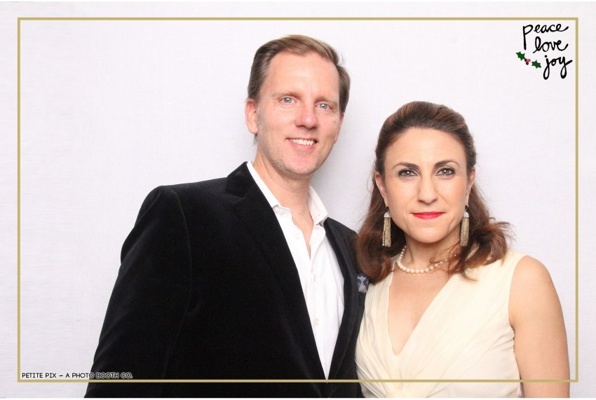 Petite Pix Photo Booth in the Pacific Palisades for the Culp Peace Love Joy Holiday Party (27)