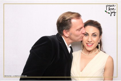 Petite Pix Photo Booth in the Pacific Palisades for the Culp Peace Love Joy Holiday Party (29)
