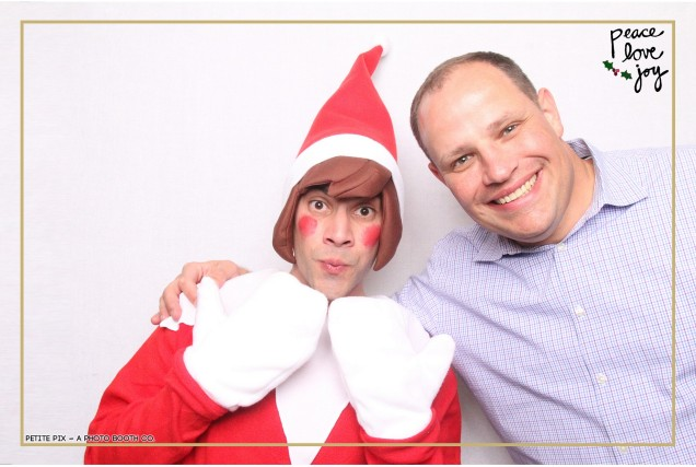 Petite Pix Photo Booth in the Pacific Palisades for the Culp Peace Love Joy Holiday Party (30)