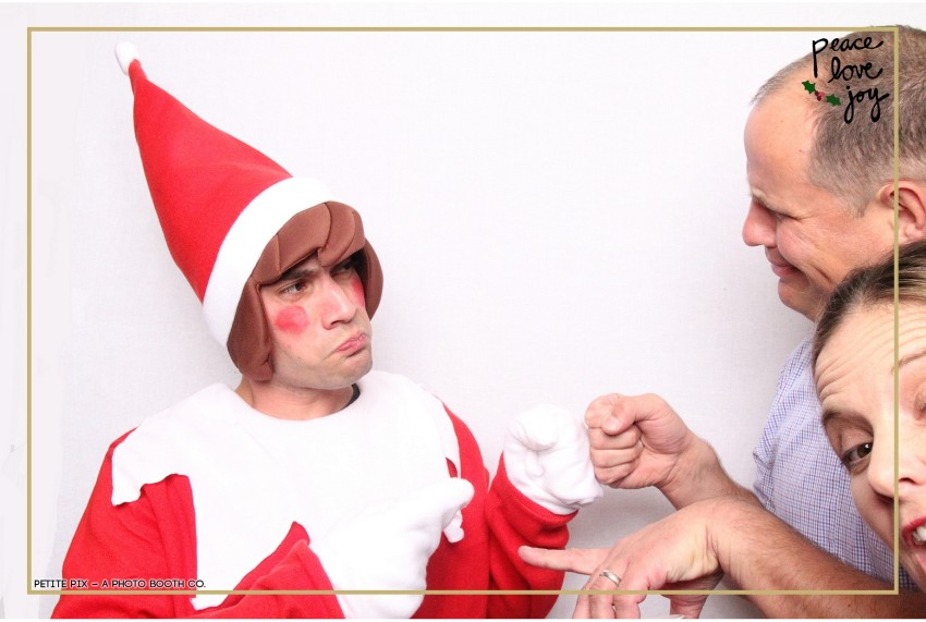 Petite Pix Photo Booth in the Pacific Palisades for the Culp Peace Love Joy Holiday Party (31)
