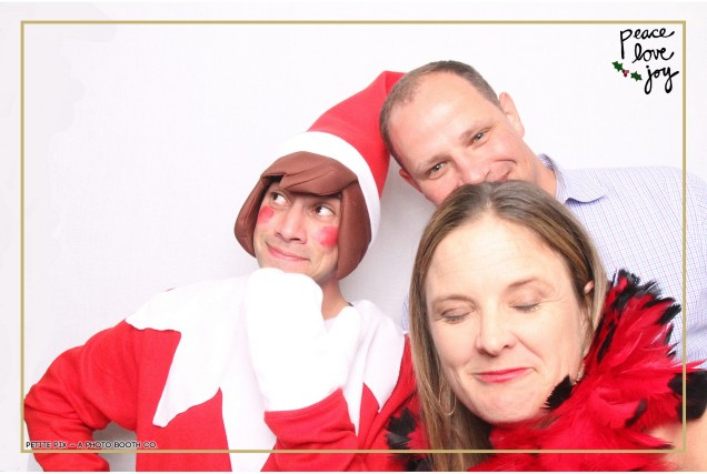 Petite Pix Photo Booth in the Pacific Palisades for the Culp Peace Love Joy Holiday Party (32)