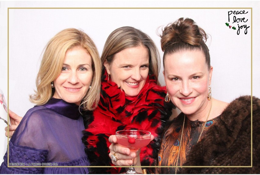 Petite Pix Photo Booth in the Pacific Palisades for the Culp Peace Love Joy Holiday Party (34)