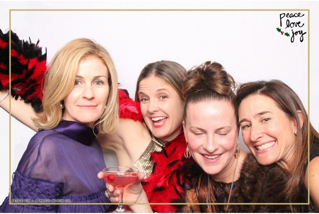 Petite Pix Photo Booth in the Pacific Palisades for the Culp Peace Love Joy Holiday Party (35)