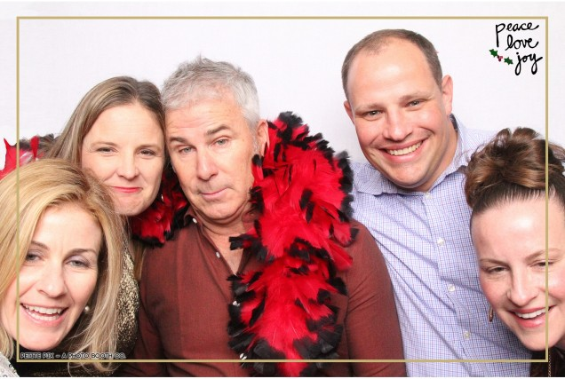 Petite Pix Photo Booth in the Pacific Palisades for the Culp Peace Love Joy Holiday Party (39)