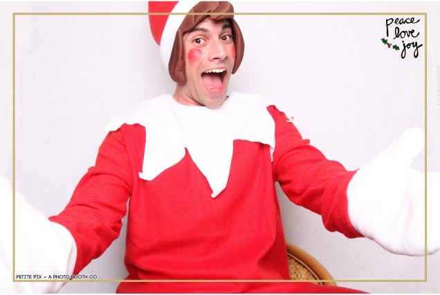 Petite Pix Photo Booth in the Pacific Palisades for the Culp Peace Love Joy Holiday Party (4)
