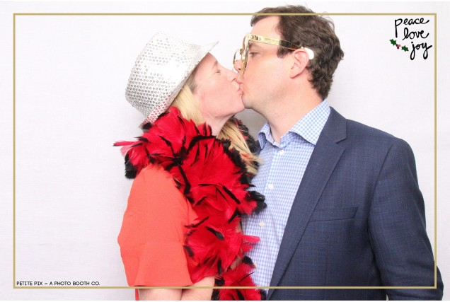 Petite Pix Photo Booth in the Pacific Palisades for the Culp Peace Love Joy Holiday Party (45)