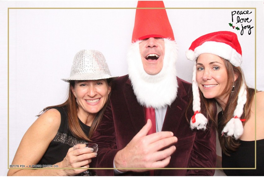 Petite Pix Photo Booth in the Pacific Palisades for the Culp Peace Love Joy Holiday Party (48)