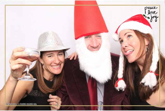 Petite Pix Photo Booth in the Pacific Palisades for the Culp Peace Love Joy Holiday Party (49)