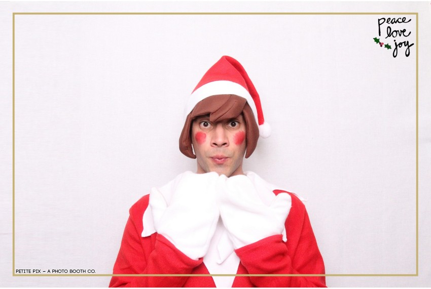 Petite Pix Photo Booth in the Pacific Palisades for the Culp Peace Love Joy Holiday Party (50)