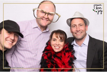 Petite Pix Photo Booth in the Pacific Palisades for the Culp Peace Love Joy Holiday Party (51)