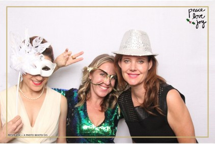 Petite Pix Photo Booth in the Pacific Palisades for the Culp Peace Love Joy Holiday Party (55)