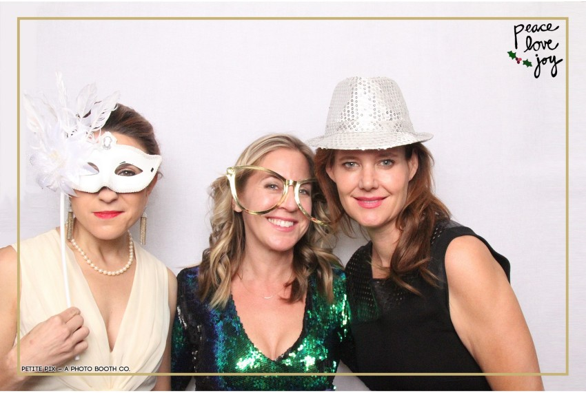 Petite Pix Photo Booth in the Pacific Palisades for the Culp Peace Love Joy Holiday Party (57)