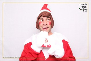 Petite Pix Photo Booth in the Pacific Palisades for the Culp Peace Love Joy Holiday Party (6)