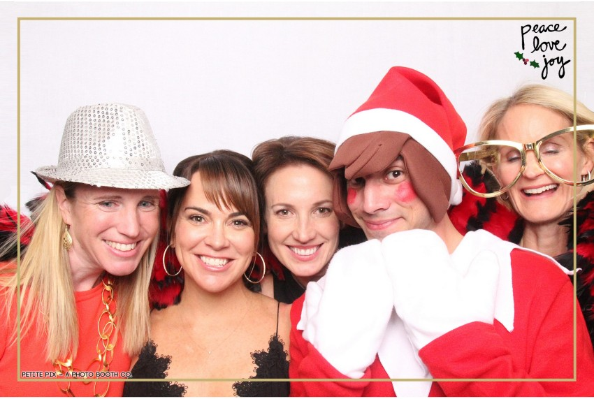 Petite Pix Photo Booth in the Pacific Palisades for the Culp Peace Love Joy Holiday Party (60)