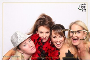 Petite Pix Photo Booth in the Pacific Palisades for the Culp Peace Love Joy Holiday Party (61)