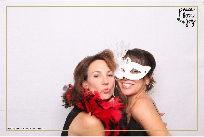 Petite Pix Photo Booth in the Pacific Palisades for the Culp Peace Love Joy Holiday Party (63)
