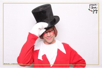 Petite Pix Photo Booth in the Pacific Palisades for the Culp Peace Love Joy Holiday Party (64)