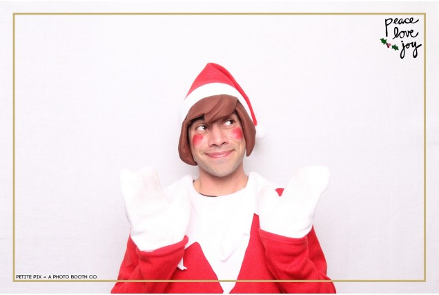 Petite Pix Photo Booth in the Pacific Palisades for the Culp Peace Love Joy Holiday Party (65)