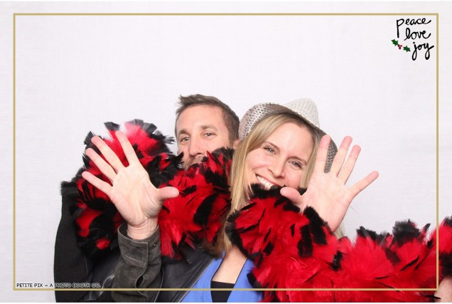 Petite Pix Photo Booth in the Pacific Palisades for the Culp Peace Love Joy Holiday Party (79)