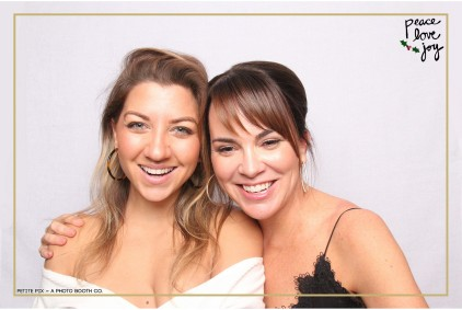 Petite Pix Photo Booth in the Pacific Palisades for the Culp Peace Love Joy Holiday Party (8)