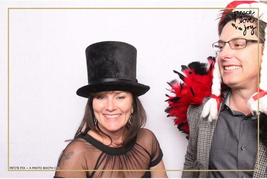 Petite Pix Photo Booth in the Pacific Palisades for the Culp Peace Love Joy Holiday Party (92)