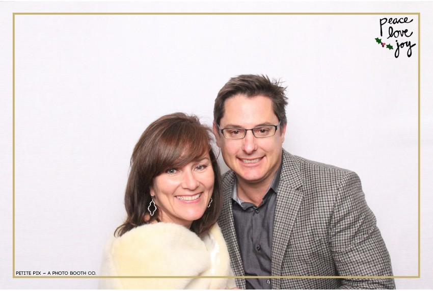 Petite Pix Photo Booth in the Pacific Palisades for the Culp Peace Love Joy Holiday Party (95)