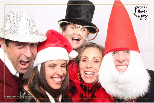 Petite Pix Photo Booth in the Pacific Palisades for the Culp Peace Love Joy Holiday Party (98)
