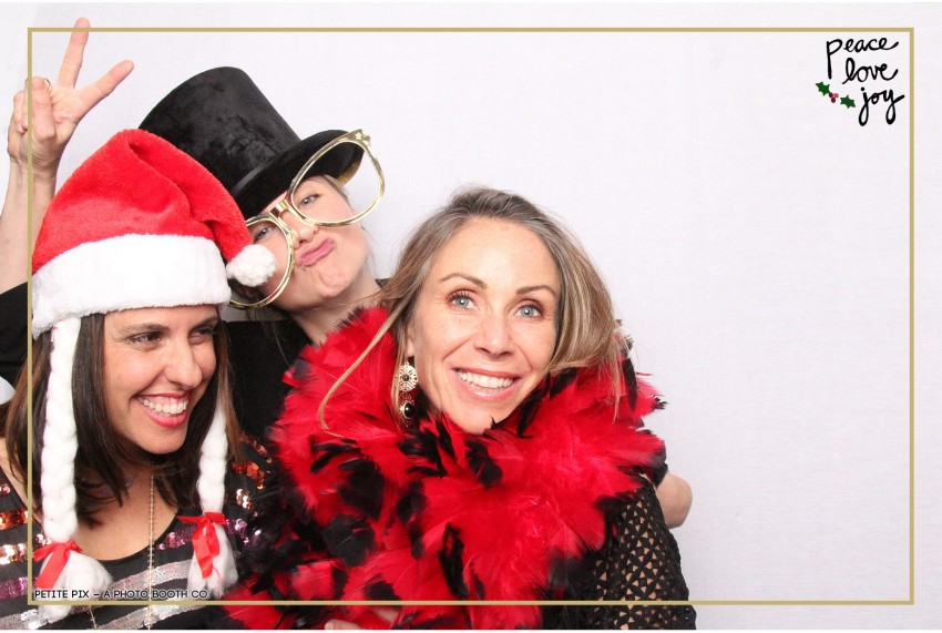 Petite Pix Photo Booth in the Pacific Palisades for the Culp Peace Love Joy Holiday Party (99)